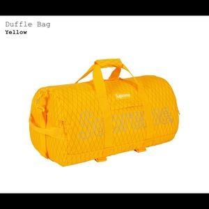 Supreme duffle-bag (fw18) yellow